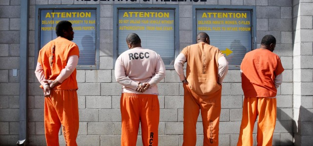 Ex-inmates struggle with finding work after prison
